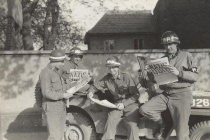 """cover image of """"1945"""" mint az európai emlékezés helye?"""