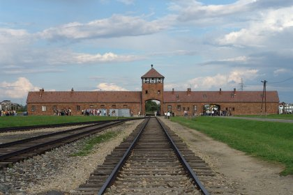 """cover image of To whom does Auschwitz """"belong?"""""""