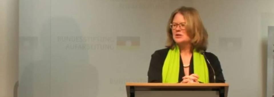 Photo of the publication Das Symposium der europäischer Erinnerung, Berlin 2013 – die Begrüßung von Anna Kaminsky